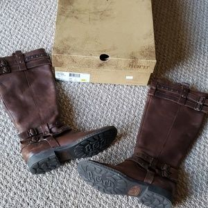 Born Size 6 Brown Leather Boots